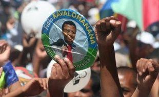 Un culte a rassemblé dimanche à Antananarivo quelque 35.000 protestants, dont de nombreux partisans de l'ex-président Marc Ravalomanana qui bat le rappel de ses troupes à la veille d'un sommet de l'Afrique australe consacré à Madagascar.