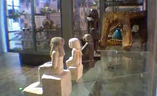 Une statuette égyptienne, datant de 1.800 avant J.C., bouge toute seule dans une vitrine du musée de l'université de Manchester