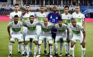 Le gardien algérien Raïs M'Bolhi retrouvera au Stade Rennais son partenaire en sélection, Ramy Bensebaini (1er debout en partant de la gauche).