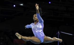 Simone Biles détient le record ultime de médailles en championnat du monde.