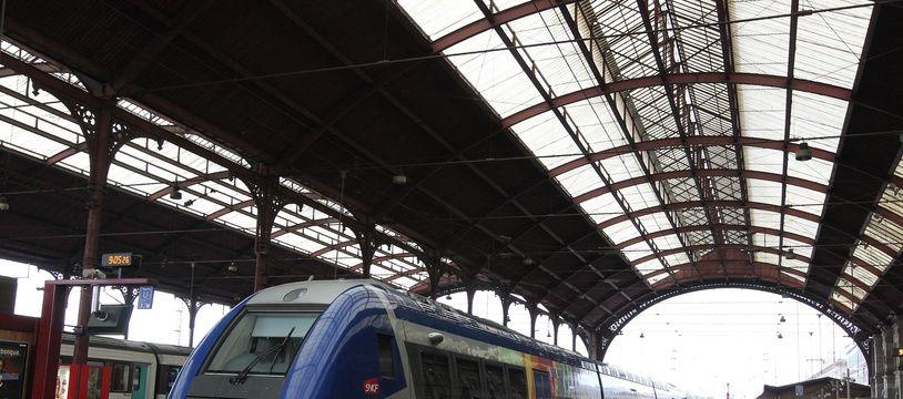 Strasbourg le 13 09 2012. Illustration TER en gare de Strasbourg.