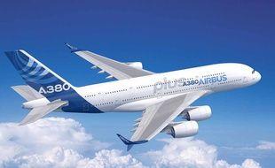 L'A380plus, avec les fameuses ailerettes au bout des ailes.