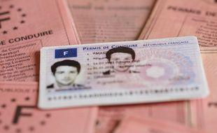 Dans le cadre de la réforme du permis de conduire, 400 candidats ont déjà passé leur code à Nantes via La Poste