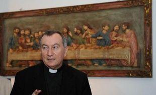 Un nouveau secrétaire d'Etat de 58 ans, Pietro Parolin, diplomate de carrière, doit prendre ses fonctions mardi au Vatican aux côtés du pape François, en remplacement du cardinal Tarcisio Bertone, souvent critiqué dans la Curie.