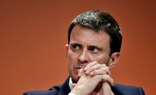 Manuel Valls, l'ancien Premier ministre, lors d'une conférence de presse à Paris sur l'abstention au premier tour des élections présidentielles, le 5 mai 2017.