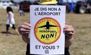 Une légère majorité de Français (56%) se disent opposés au projet d'aéroport de Notre-Dame-des-Landes,, 24% étant favorables au projet et 20% ne se prononcent pas, selon un sondage Ifop publié samedi, jour de mobilisation des opposants au projet.