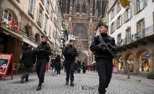 Des policiers en patrouille à Strasbourg après l'attentat du 11 décembre 2018.
