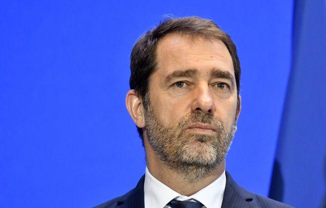 Non, Christophe Castaner ne veut pas qu'un portrait d'Emmanuel Macron soit affiché chez les Français