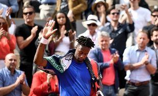 Gaël Monfils, surclassé par Dominic Thiem en huitièmes de finale de Roland-Garros, le 3 juin 2019.