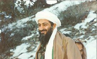 Oussama ben Laden en 1996 dans les montagnes afghanes