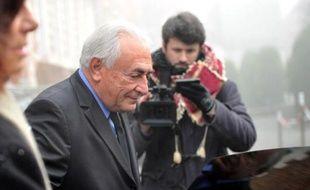 Dominique Strauss-Kahnà la sortie de son hôtel le 16 février 2015 à Lille