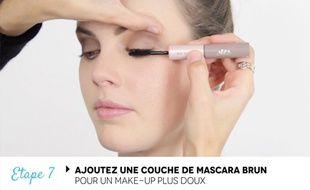 Un maquillage spécialement adapté aux yeux bleus.