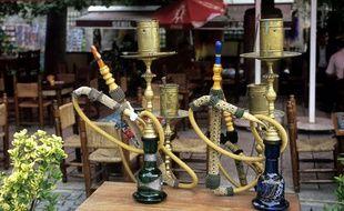 Des narguilés dans un café d'Istanbul, en Turquie.