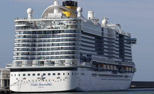 Le Costa Smeralda, où deux passagers ont été soupçonnés d'avoir contracté le coronavirus, bloquant ainsi tous les passagers à bord.