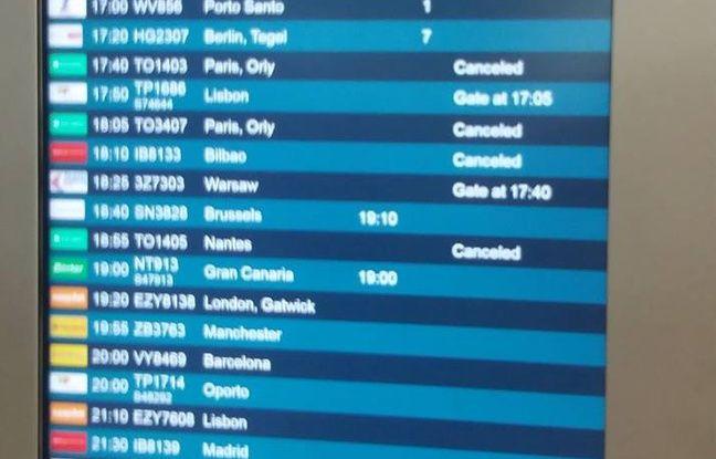 Le vol TO 3411 (en haut à gauche, annulé)
