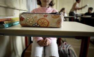 """Les emplois du temps des lycéens et, surtout, des écoliers français sont parmi les plus chargés en Europe, selon """"Les chiffres clés de l'Education"""", étude publiée en 2005 par l'office statistique européen Eurostat."""