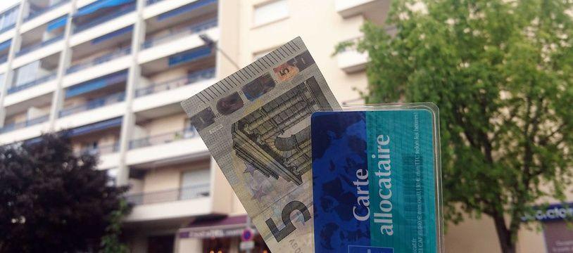 Illustration de la baisse de 5 euros des APL décidée par le gouvernement.