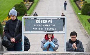 Une manifestation à l'appel d'un collectif musulman a rassemblé quelques milliers de personnes samedi à Montréal pour protester contre le projet du gouvernement québécois de bannir les signes religieux ostentatoires dans la fonction publique.