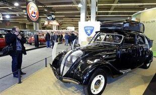 Traditionnel rendez-vous des amateurs et collectionneurs de voitures anciennes, le salon Rétromobile met cette année à l'honneur les modèles ayant fonctionné aux énergies nouvelles, avec comme emblème la Jamais Contente, précurseur en 1899 de la propulsion électrique.