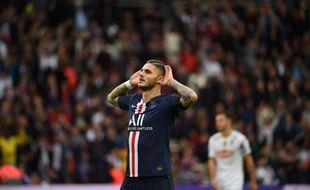 Icardi inscrit contre Angers son premier pion en Ligue 1 avec le PSG.