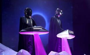Les Daft Punk lors de la 59e cérémonie des Grammy Awards le 12 février 2017 à Los Angeles.
