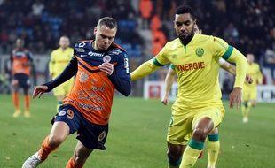 Le défenseur Koffi Djidji face à l'attaquant de Montpellier Kevin Bérigaud, le 20 août 2015.