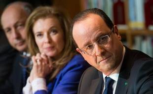 François Hollande se renddans son ancien fief électoral de Tulle pour une remise de décorations, courte parenthèse en pleine affaire Cahuzac.