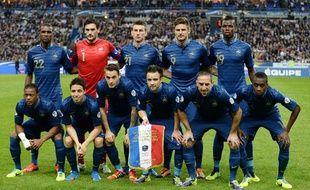 L'équipe de France avant le match face à la Finlande, en octobre 2013
