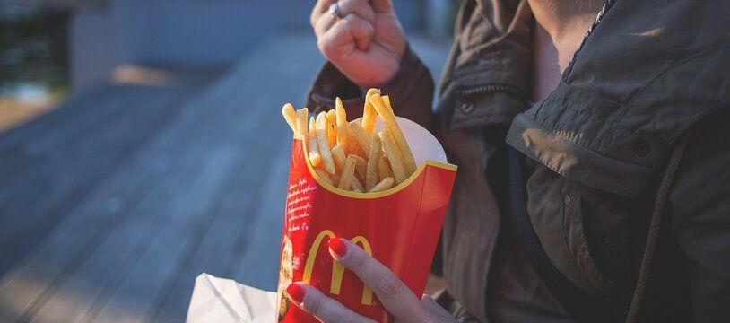 Faut-il interdire les publicités pour les frites de Mcdo ?