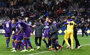 Les Toulousains en joie après avoir éliminé Reims aux tirs au but en huitièmes de finale de la Coupe de France, le 22 janvier 2019 au Stadium de Toulouse.