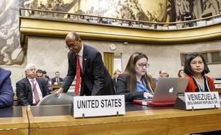 L'ambassadeur des Etats-Unis pour le désarmement, Robert Wood, a quitté la salle pendant le discours de l'ambassadeur syrien.