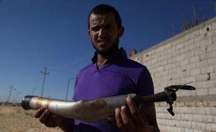Le soleil se couche sur un village du Sinaï et Abou Asma s'apprête à rompre le jeûne du ramadan lorsque des tirs se font entendre du poste militaire voisin. Il n'y prête pas grande attention, jusqu'à ce qu'une balle vienne frapper sa maison.