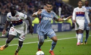 Ici au duel avec le Lyonnais Ferland Mendy, Rony Lopes a inscrit le premier but de l'ASM vendredi.