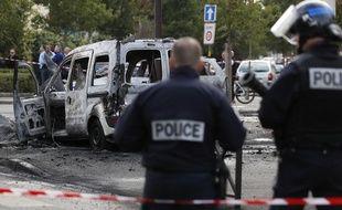 Quatre policiers ont été visés par une attaque aux cocktails Molotov, samedi après-midi à Viry-Châtillon (Essonne)