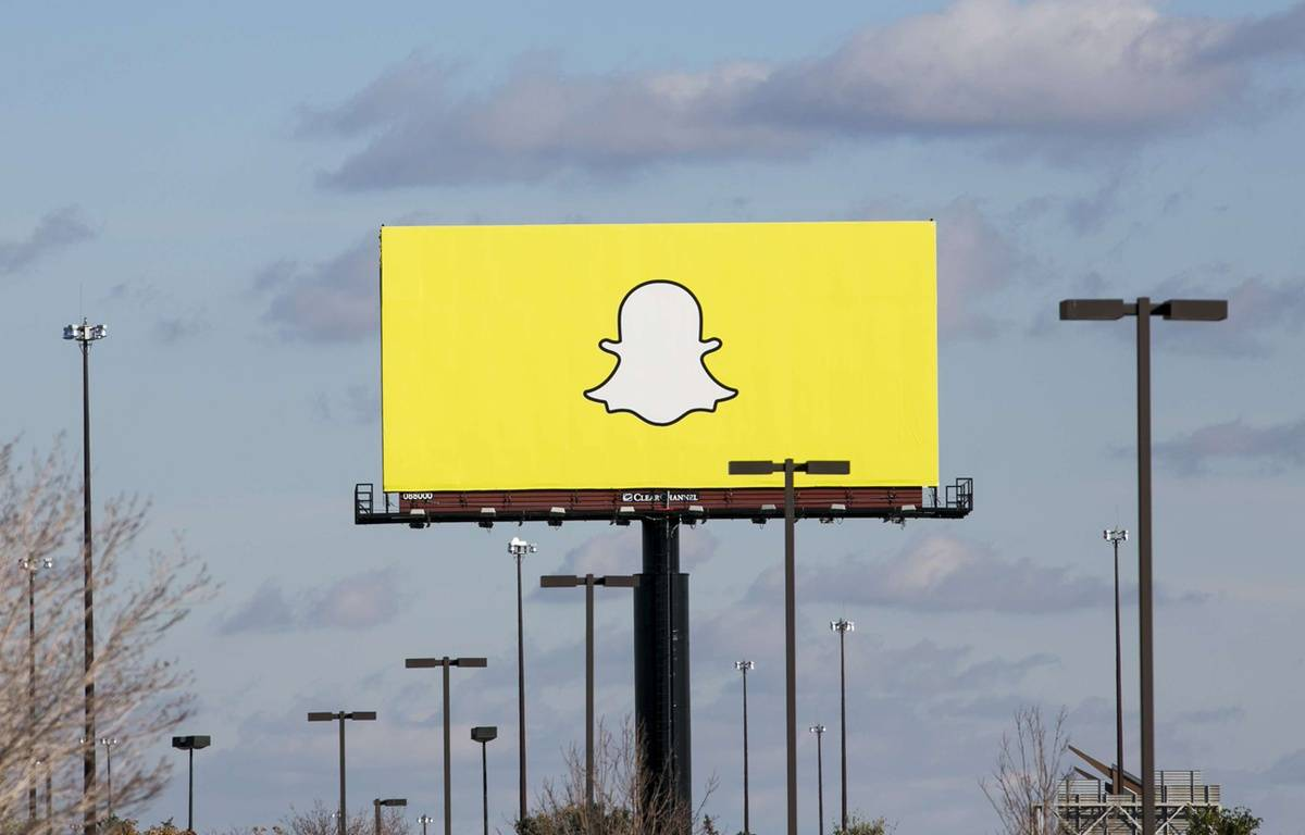 Le logo de Snapchat sur un panneau publicitaire. –  SIPANY/SIPA