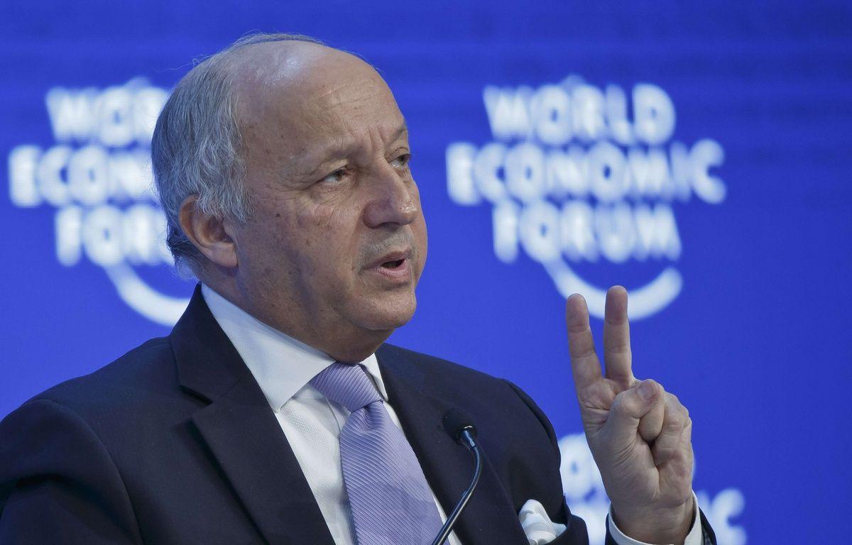 Le ministre des Affaires étrangères Laurent Fabius, le 21 janvier 2016 à Davos, au  Forum économique mondial. – Michel Euler/AP/SIPA