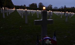 Les noms de 3.500 soldats américains, tués pendant la guerre de 1914-1918 et enterrés à la nécropole de Romagne-sous-Montfaucon (Meuse), ont été égrenés samedi 11 novembre 2017 et leurs tombes illuminées pour les commémorations du 11-Novembre.