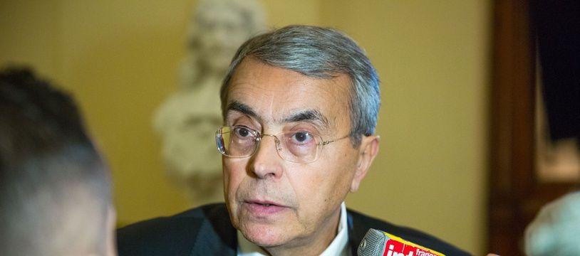 La justice reproche à la région Rhône-Alpes, alors dirigée par le socialiste Jean-Jack Queyranne, d'avoir commis des fautes de gestion et d'avoir précipité la faillite de l'association ERAI.