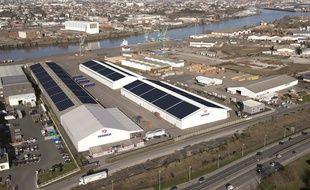 Les panneaux solaires sont installés sur trois toits de l'entrepriseSogebras à Nantes.