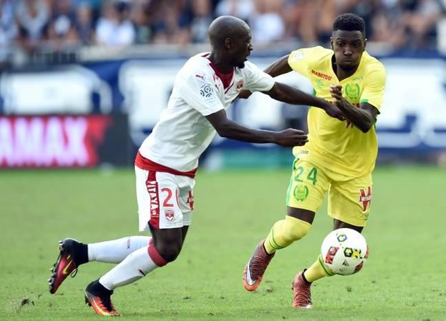 Le milieu de terrain Alexis Alegue cette saison contre Bordeaux.