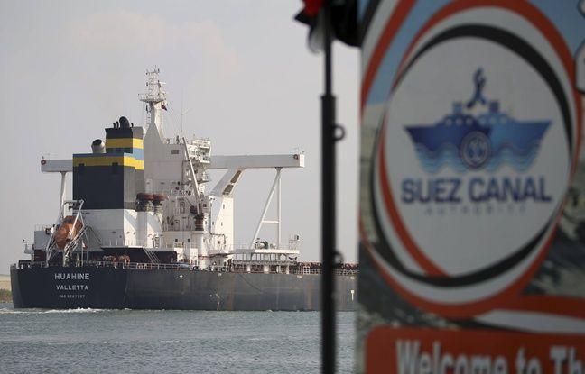 648x415 un cargo traverse le canal de suez apres la reprise du trafic le 30 mars 2021