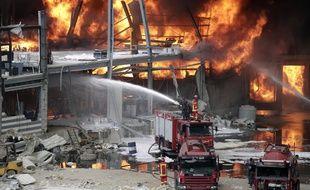 L'incendie sur le port de Beyrouth s'était déclenché jeudi après-midi.