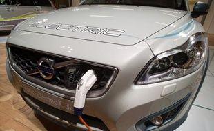 Volvo a présenté le 3 octobre 2010 son modèle électrique au Salon de l'auto.