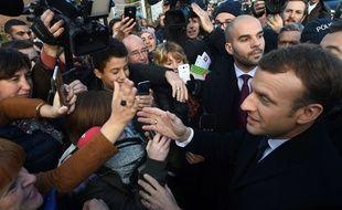 Le président de la République, Emmanuel Macron, lors de sa visite à Tourcoing.