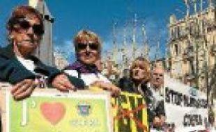 Une trentaine d'opposants à la LGV se sont rassemblés à Marseille.