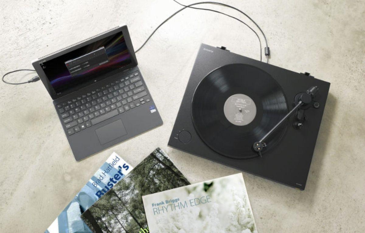 La nouvelle platine PS-HX500 permet d'écouter et de numériser ses vinyles dans un format audio non compressé. – SONY