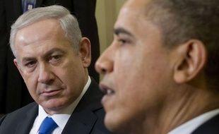 """Barack Obama et Benjamin Netanyahu sont """"unis"""" face à l'Iran dans le dossier nucléaire, a affirmé mardi soir la Maison Blanche à l'issue d'une journée fertile en signes de discorde, dont la révélation que les deux dirigeants ne se verraient pas à l'ONU en fin de mois."""