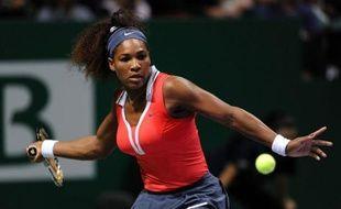 L'Américaine Serena Williams, N.3 mondiale, s'est qualifiée pour la finale du Masters à Istanbul, en battant samedi la Polonaise Agnieszka Radwanska (N.4) en deux sets 6-2, 6-1.