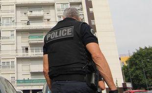 Illustration de policiers en intervention, ici à Rennes.
