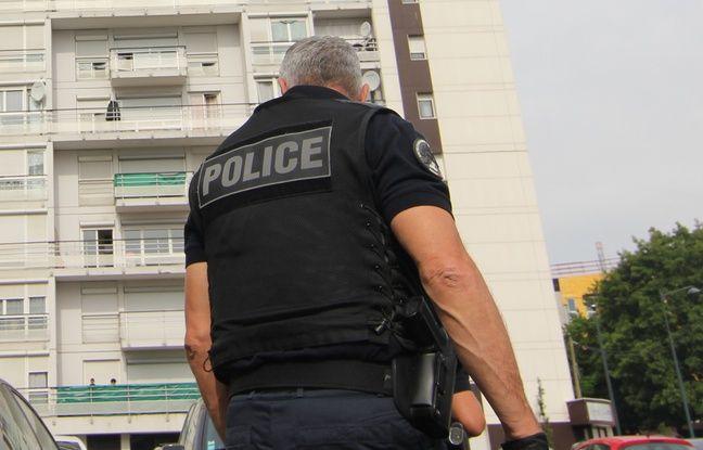Bretagne: Quatre faux policiers qui volaient des personnes âgées mis en examen